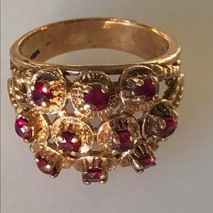 Vintage 10K Solid Gold Standout Ruby Cocktail Ring